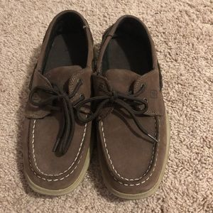 Shoes - Brown sperrys